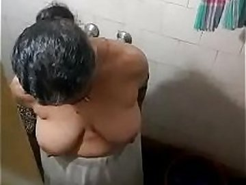 Latest Best big boob Indian aunty undressing at bathroom